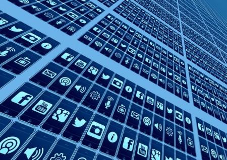 Abbildung 1: Durch zahlreiche neue Anwendungen ist eine schnelle Internetverbindung auch für User wichtig. Unternehmen können zudem durch schnelles Internet Innovationen starten.